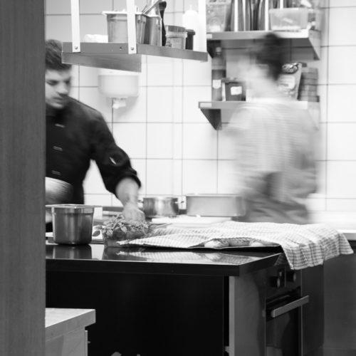 Restaurant La Carte Profondeville Gastronomique Gourmand Terrasse John Maes Guide Gastronomie Profondeville Gault&Millau Michelin, Namur